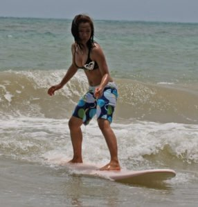 anie-learn-surfing-2
